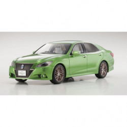 SAMURAI 1/18 TOYOTA CROWN...